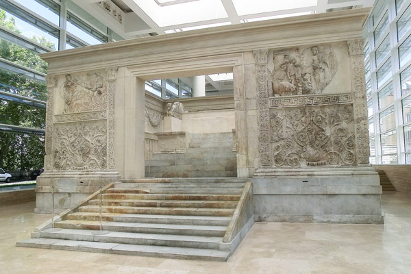 Алтарь Мира (Ara Pacis Augustae) в Риме