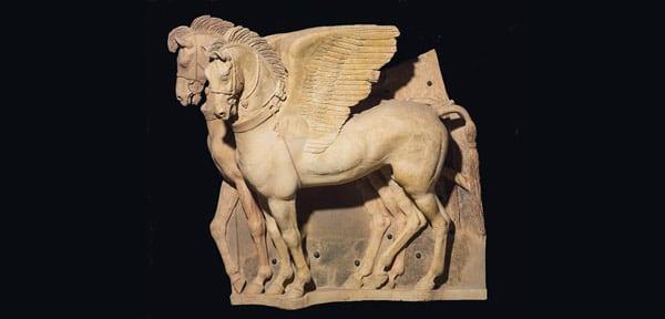 Крылатые терракотовые кони – Декор храма Ара делла Регина в Тарквинии