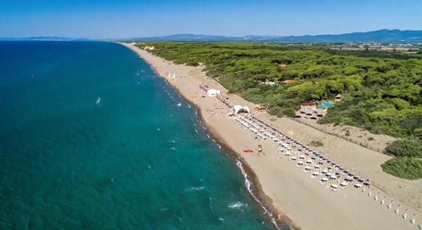 курорт Марино-ди-Кастаньето Кардучи в Тоскане для отдыха с детьми на море