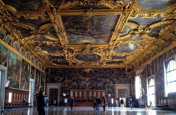 Зал Большого Совета в Дворце Дожей