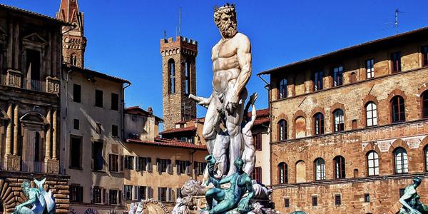 Фонтан Нептуна на площади Синьории во Флоренции