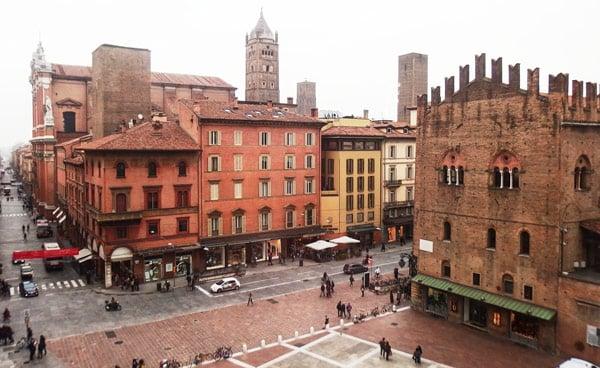 Площадь Нептуна в Болонье вид сверху