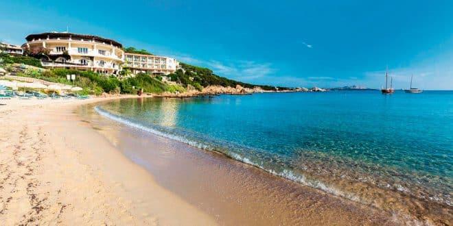 Отели 4 звезды на Сардинии с собственным пляжем