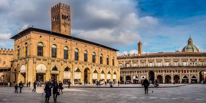 Палаццо Подеста в Болонье