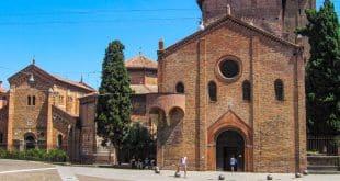 Базилика Санто-Стефано в Болонье