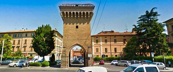 ворота Кастильоне (Porta Castiglione) в Болонье