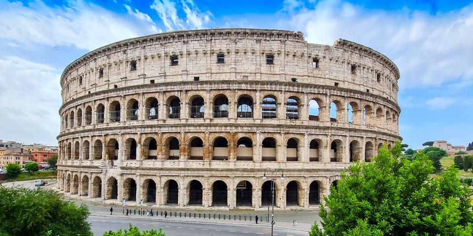 Колизей в Риме – место проведения гладиаторских боёв
