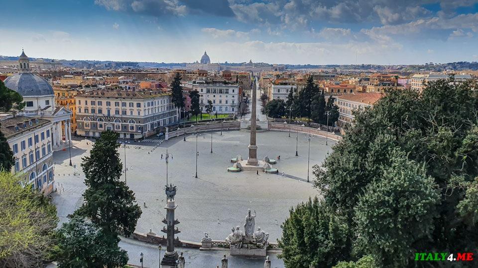 Народная площадь в Риме без людей