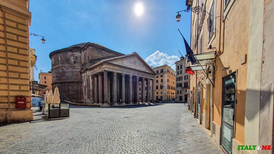 Пантеон в Риме во время карантина март 2020 года