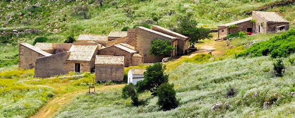 Деревня Борга Кузенца в заповеднике Зингаро