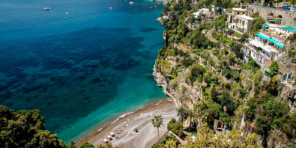 Пляж Ариенцо в Позитано