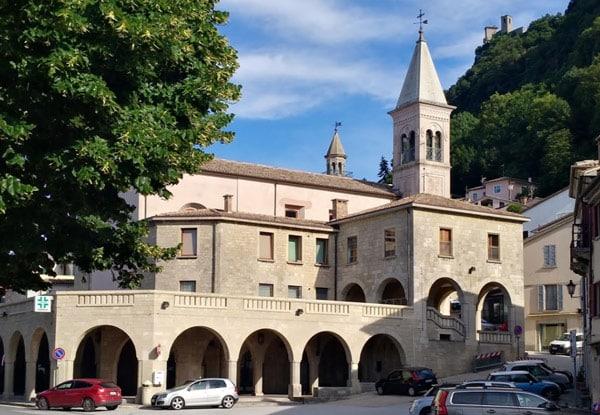 Храм Святого Антимо (Chiesa di Sant'Antimo o del Suffragio)