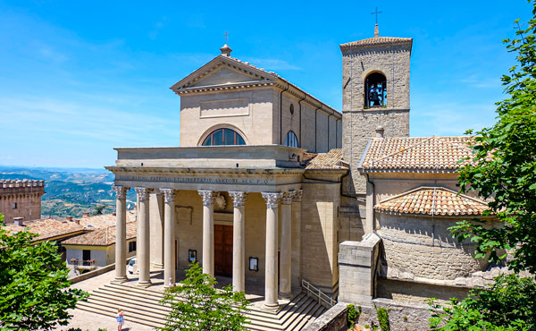 Базилика Сан-Марино (La Basilica di San Marino)