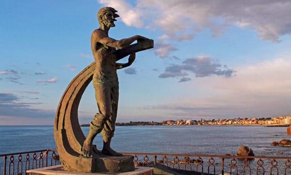 Скульптура Теокла (Statua di Teocles), основателя Наксоса