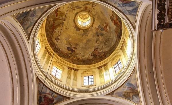 Купол святилища Мадонна-ди-Сан-Люка в Болонье