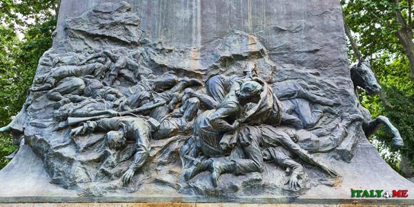 Анита ищет тело Джузеппе Гарибальди среди мертвых солдат