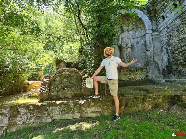 Артур Якуцевич в парке Монстров