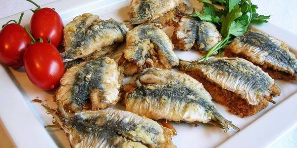 блюдо из сардин на Сицилии