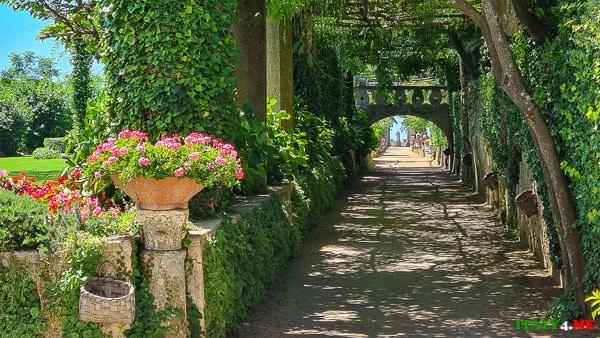 Аллея изобилия аллея изобилия на вилле Чимброне в Равелло