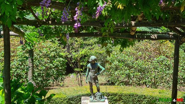 статуя Давида на вилле Чимброне в Равелло