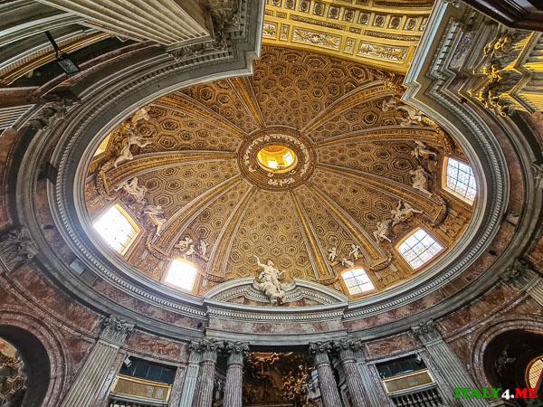 Купол церкви Сант-Андреа-аль-Квиринале в Риме