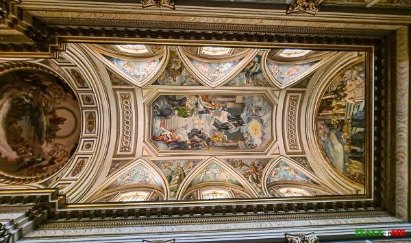 Потолок Аббатства Святой Троицы в Кава-де-Тиррени