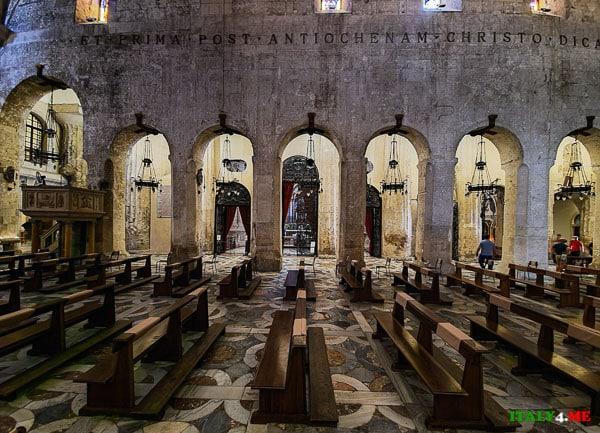 Часовни правый неф Фасад Кафедральный собор Сиракуз