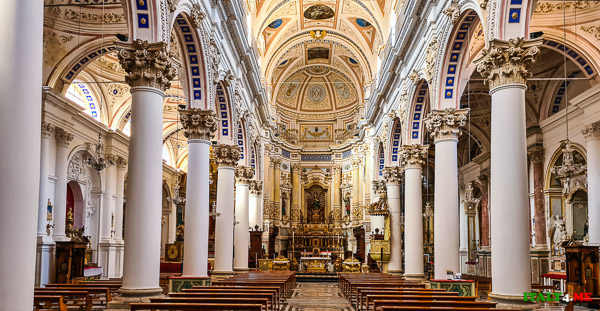 Интерьер Дуомо Святого Петра в Модике