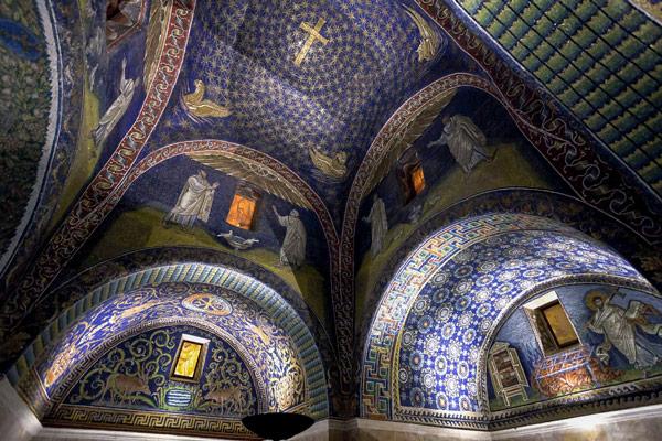 Мозаики в Мавзолее Галлы Плацидии в Равенне