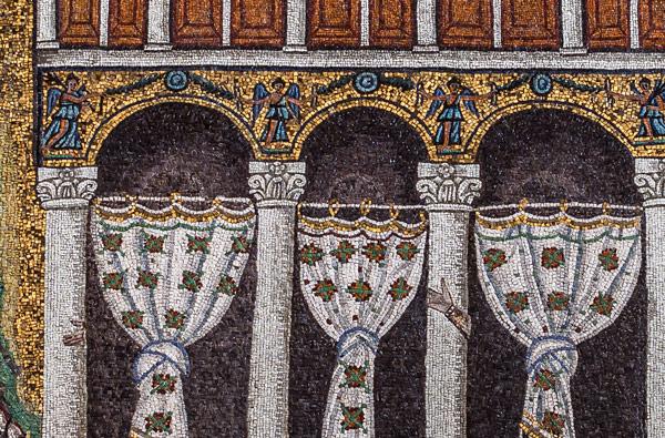 Мозаики в личных покоях Теодориха в Равенне изображение рук слуг