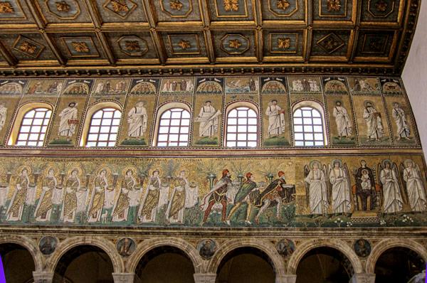 Византийские мозаики в базилике Сант-Аполлинаре-Нуово