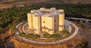 Замок Кастель дель Монте Италия