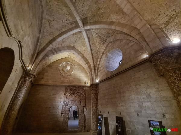 Комнаты в замке Кастель дель Монте