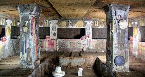 Этрусская Гробница рельефов в Черветери