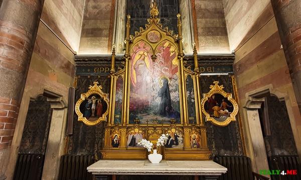 Алтарь в честь Богоматери Розария Церковь Святого Сердца Иисуса в Прати