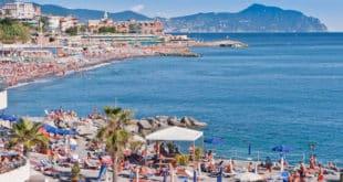 Пляж в Рапалло Италия