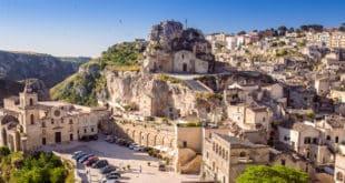 Пещерный город Сасси-ди-Матера