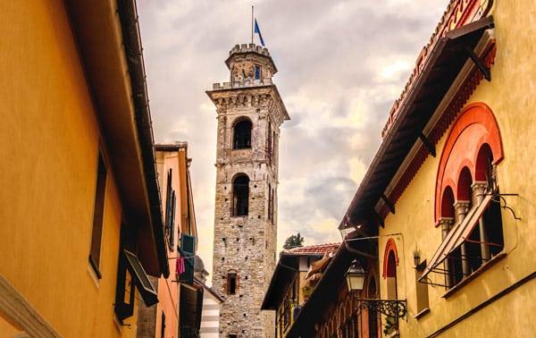 Башня Торре Чивика и церковь Санто Стефано в Рапалло