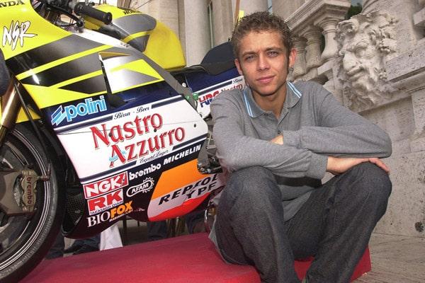 Итальянский мотогонщик Валентино Росси