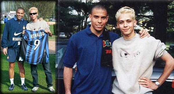 Валентино Росси и футболист Роналдо на базе футбольного клуба Интер