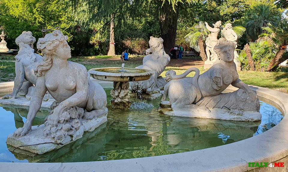 фонтан человеческих пороков (Fontana dei Vizi) на вилла Шарра в Риме