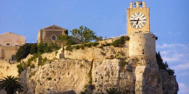 Замок Модика Сицилия