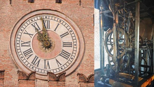Часовая башня на дворца коммуны в Болонье