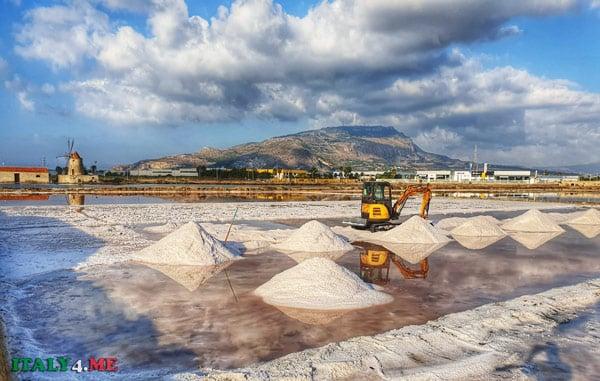 Добыча соли в провинции Трапани, Сицилия