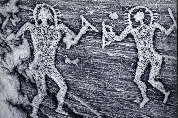 Изображение пришельцев Петроглифы Валь-Камоники