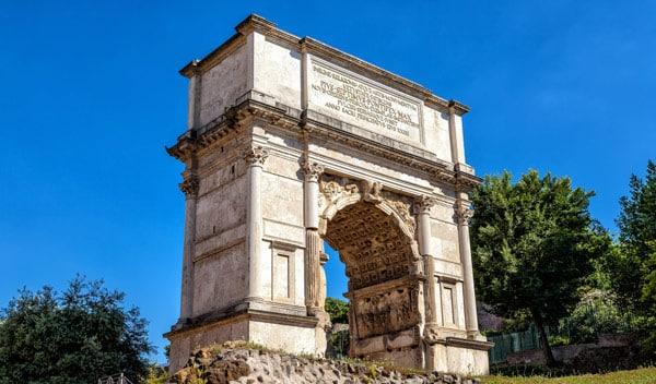 Архитектор Рабириус (Rabirius) автор арки Тита в Риме