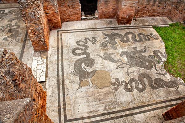 Мозаики на полу в термах древней Остии