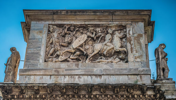 эпизоды сражения Траяна с даками на внешней стороне арки Константина в Риме