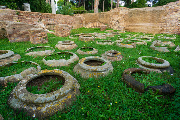 Склад для хранения зерна Grandi Horrea достопримечательность Остии Антика