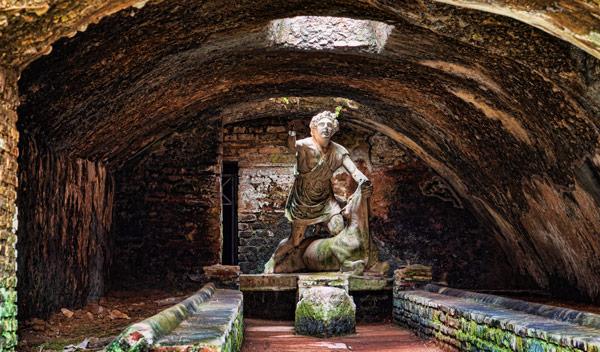 жертвоприношение богу Митре в храме Древней Остии